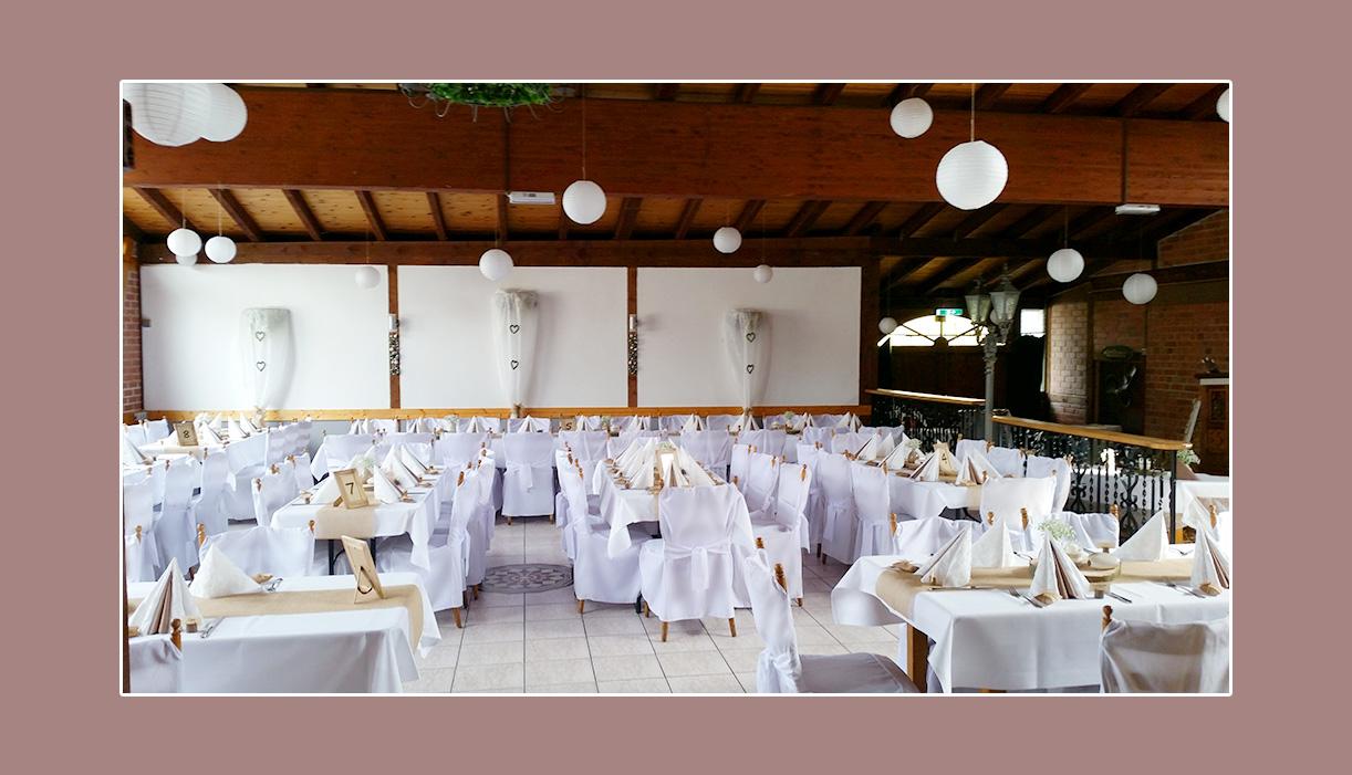 Hochzeitsdeko Weiß Creme im Landhaus Siebe in Hattingen